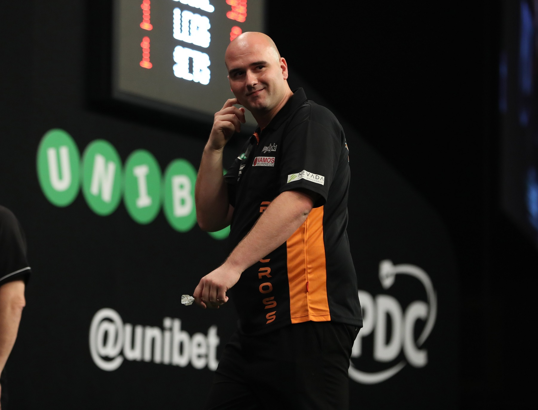 UNIBET WORLD GRAND PRIX CITY WEST,DUBLIN PIC;LAWRENCE LUSTIG ROUND 1 ROB CROSS V STEVE BEATON ROB CROSS IN ACTION