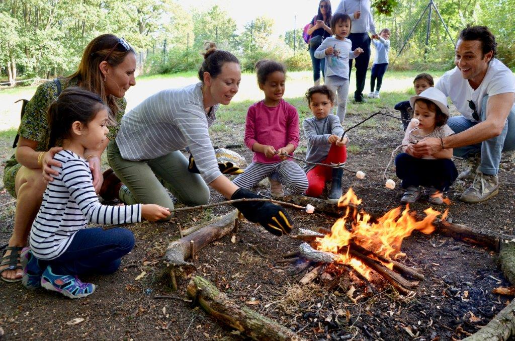 Family outdoor learing activity at Ally Pally